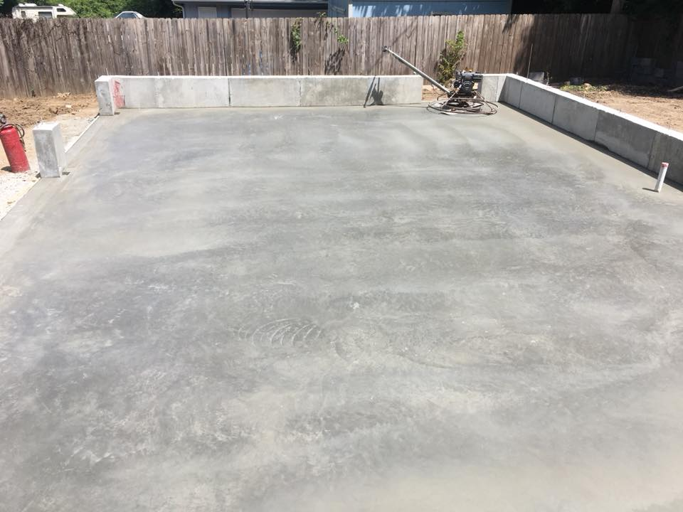 Finishing touches of a concrete foundation